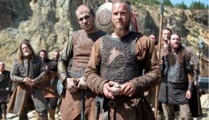 845 г. Рагнар Лодброк, датский конунг, нападает на Париж и берет богатый выкуп