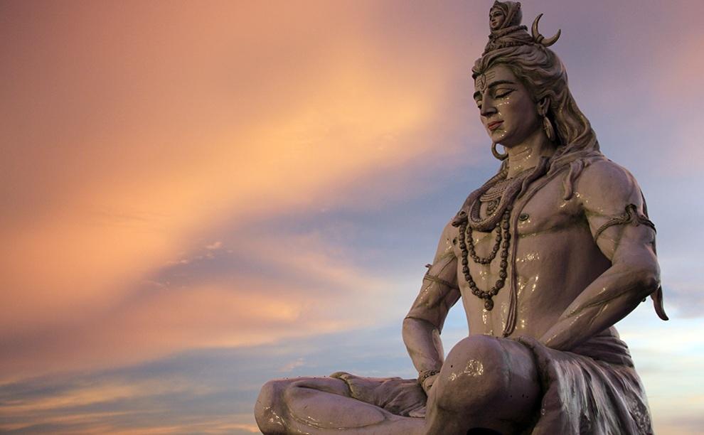 -180 г. до н.э. Патанджали основал школу Йога в Восточной Индии