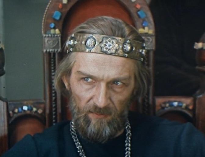 1015 г. Владимир Святославич собрался идти на сына Ярослава в Новгород, но приставился