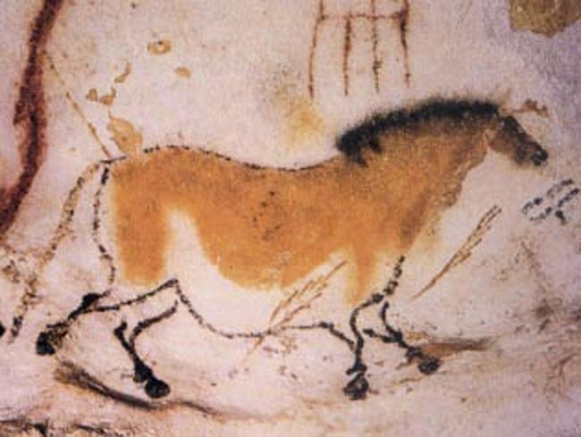 -18 000 г. до н.э. Кроманьонец рисовал животных и культовые изображения в тяжело доступной пещере Ласко (Франция)