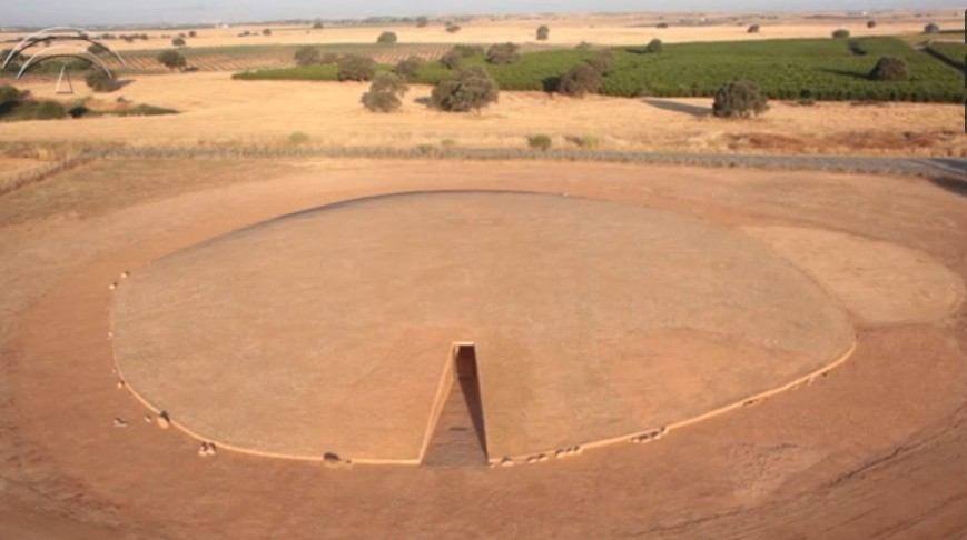 -3000 г. до н.э. Люди воздвигли дольмен Сото в Испании