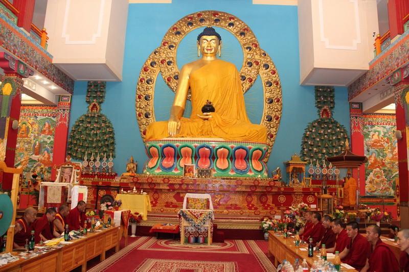 100 г. Саутрантика, школа буддизма, возникла на Четвертом буддийском соборе