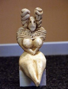 -3000 г. до н.э. Жители Мергарха использовали статуэтки похожие на палеолитических Венер Европы