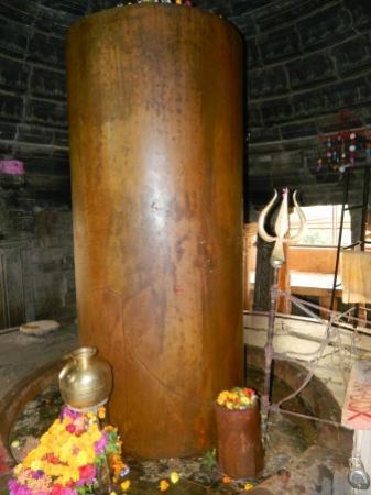 1029 г. Шиваисты в Кхаджурахо построили храм Кандарья-Махадева в честь Шивы