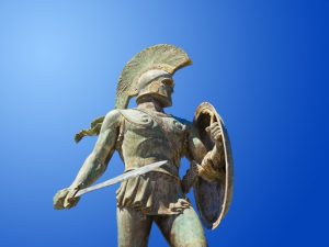 -1200 г. (до.н.э.) Дорийцы вторгаются из Греции и микенская культура гибнет